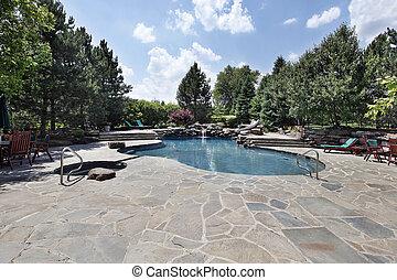 grande, piedra, patio, piscina, natación
