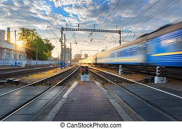 grande vitesse, train passager, dans mouvement, sur, chemin fer