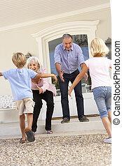 grandparents, velkom, grandchildren, på, besøg, til, hjem