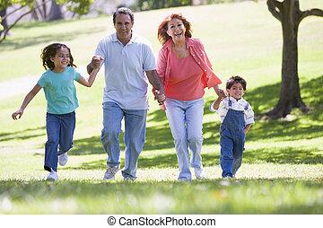 grands-parents, courant, petits-enfants