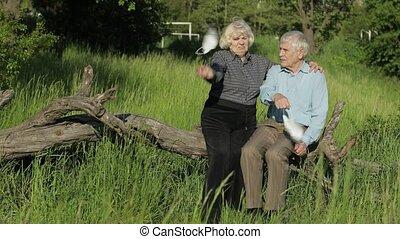 grands-parents, fermé, masques, après, coronavirus, prend, monde médical, quarantaine, fin, famille