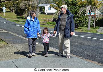 grands-parents, marche, petite-fille, leur