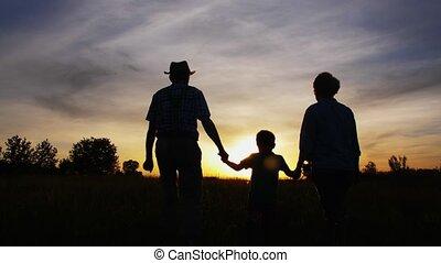 grands-parents, peu, coucher soleil, marche, petit-fils
