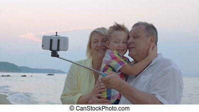 grands-parents, selfie, heureux