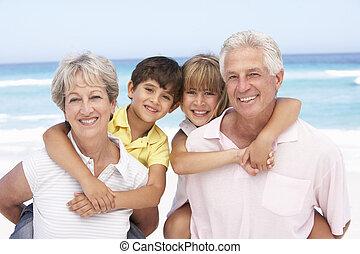 grands-parents, vacances, plage, délassant, petits-enfants