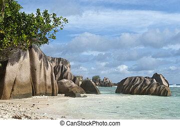 Granite boulders of La Digue