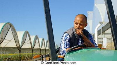 granja, hombre, 4k, tractor, arándano, sentado