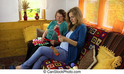 granny teach girl knit