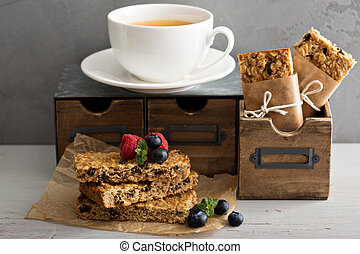 Granola bars for breakfast to go - Granola bars with coffee...