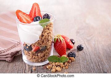 granola, jogurt, jagody