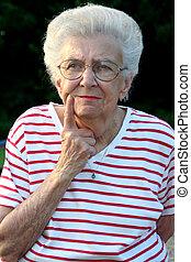 Granportrait 22 - Portrait of senior citizen woman in a...