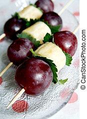 Grapes and banana fruit kebab