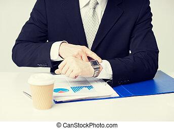 graphiques, montre, pointage, homme affaires