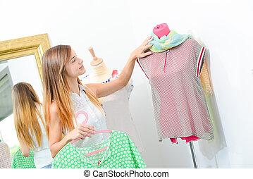 grasduinen, in, een, de winkel van kleren