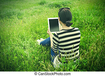 grass., parc, girl, tablette