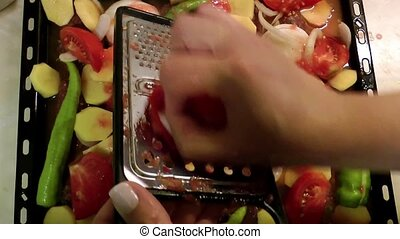 Grating the tomato