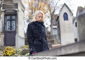 grave., parentes, mulher, visitando, solitário