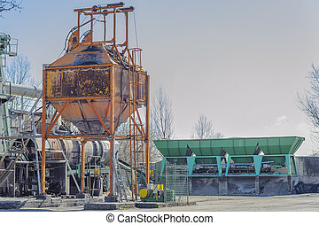 Gravel washing plant for the production of concrete.