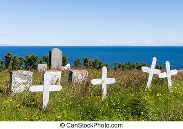 Graveyard at  at Hellnear with ocean