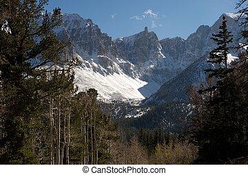 Great Basin NP, Nevada, US - Wheeler Peak: mountains with...