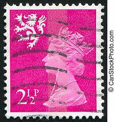 queen Elizabeth - GREAT BRITAIN - CIRCA 1971: stamp printed ...