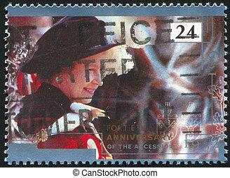Elizabeth - GREAT BRITAIN - CIRCA 1992: stamp printed by ...