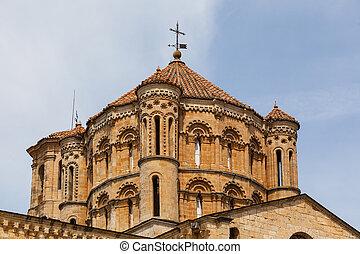 Great romanesque dome in Toro Collegiate Church in Zamora -...