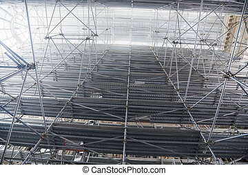 Great scaffold. Top in a fog.