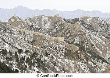 Great wall of china during the winter - A distant view of...