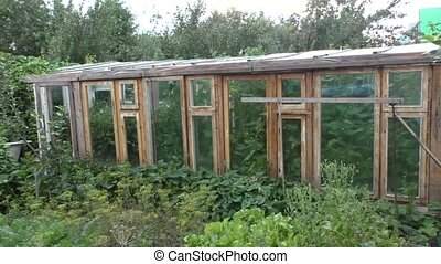 Greater wooden hothouse for cultivation of vegetables