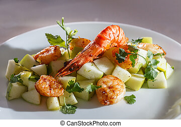Green apple and grilled shrimps