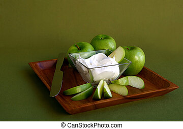 Green Apples Sliced With Whipped Cream Treat