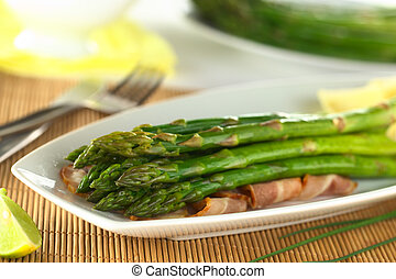 Green Asparagus with Bacon