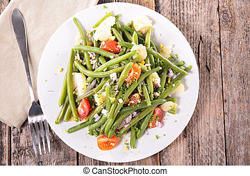 green bean salad with tomato and potato