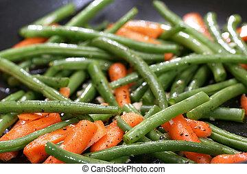 Green beans in sklliet