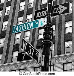 Fashion avenue - Green Fashion avenue board in New York