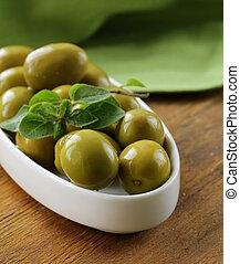 green marinated olives  with oregano