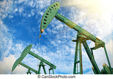 Green Oil pump of crude oilwell rig - Green Oil pump oil rig...