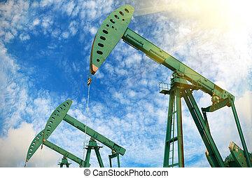 Green Oil pump of crude oilwell rig - Green Oil pump oil rig...