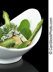 Green salad with vegetables and cheese