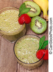 Green smoothie with kiwi fruit and banana.