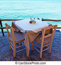 grek, frilufts restaurang, med, medelhavet, view(crete, greece).