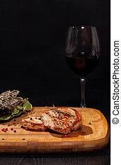 grelhados, bife, com, vidro vinho vermelho