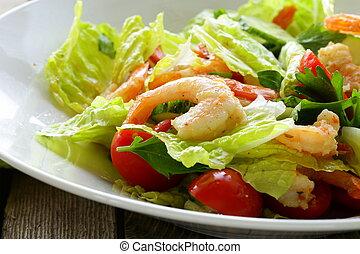 grelhados, salada verde, camarão