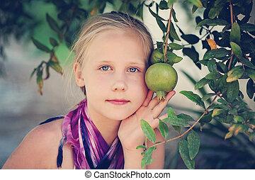 grenade, fruit, girl, jeune