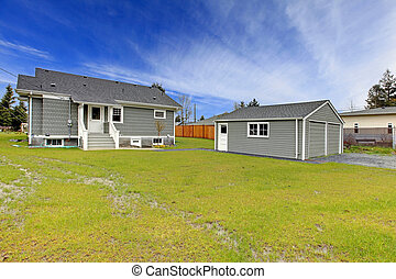 Grey house back yard and detached garage - Small cute grey ...