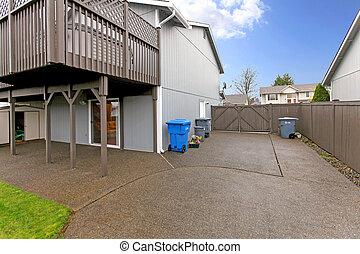 Indietro veranda casa grigio panca piccolo estate for Disegni ponte veranda