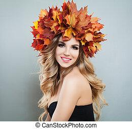 grigio, donna, foglie, corona, autunno, fondo, cadere, felice