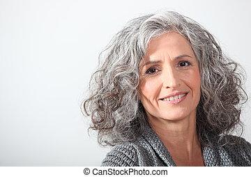 grijs-haired, vrouw, op wit, achtergrond