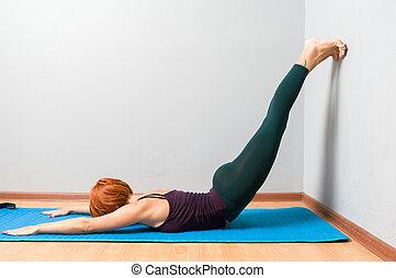 grijs, het poseren, yoga studio, achtergrond